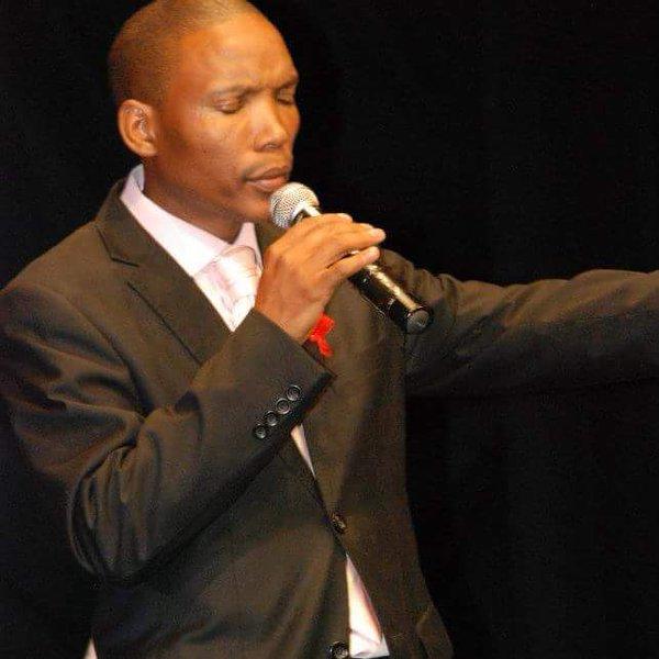 Ewe Malibongwe (Yes, Be Praised): Neyi Zimu and Omega Khunou ft. Spirit of Praise
