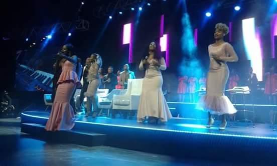 Jesus is Mine: Dumi Mkokstad ft Takie Ndou (Spirit of Praise)